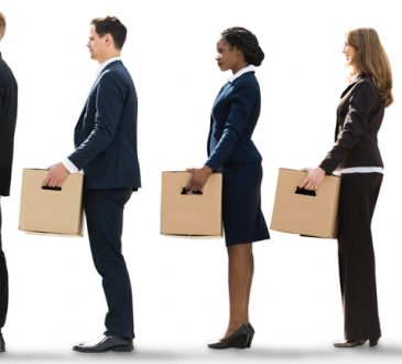 Il tasso di occupazione -in chiaroscuro- rimane stabile al 58,7%.