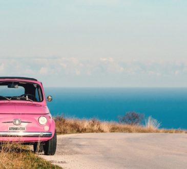 RC Auto: assicurare l'auto in Italia costa un po' meno