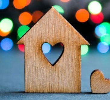 Casa e Amore: chi li cerca online naviga due ore al giorno