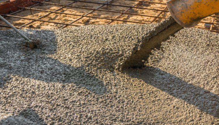 Contratto cemento: aumento salariale di 90 centesimi di euro