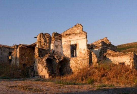 Terremoto Centro Italia: la ricostruzione è persa in un circolo vizioso