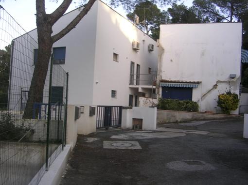 Consolidamento e sollevamento delle fondazioni di un edificio di civile abitazione