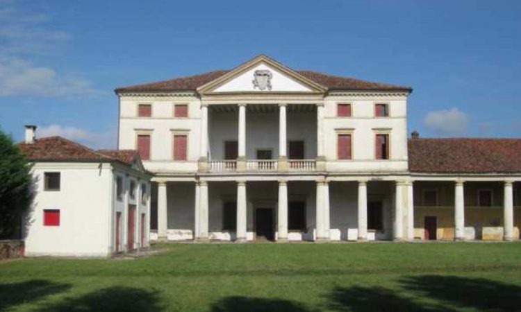 L'intervento di consolidamento fondazioni che abbiamo realizzato con successo presso l'antica Villa Ferramosca ha un sapore del tutto particolare